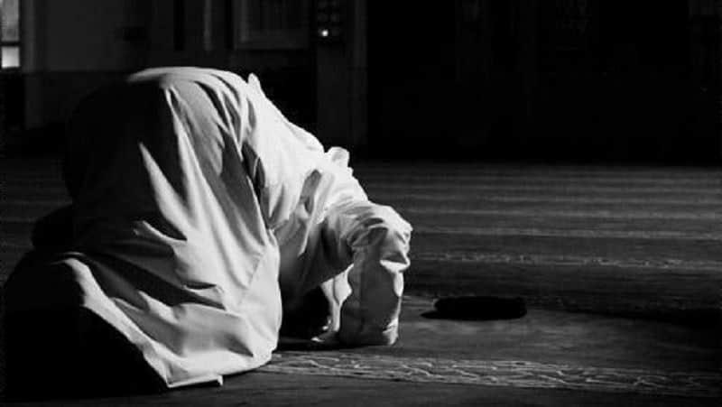 sujud_berdoa_3