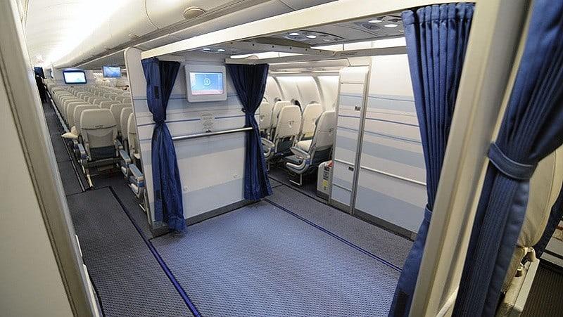 shalat_saudi_pesawat