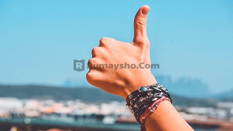 Apakah pria boleh memakai gelang tangan